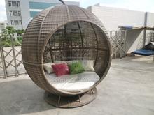 Luxury app bed in round wicker weaving