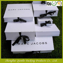 Wholesale folding gift box with ribbon in gifts packaging