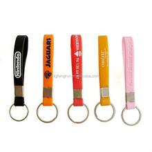 Factory supply custom silicone bracelet keychain/rubber keyring
