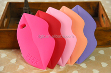 manufacturer led for iphone 4g 4s 3d lips silicone case cover with low price