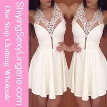 Nuevo estilo venta al por mayor encaje blanco Halter hundiendo corta samba vestidos