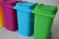 Plastic mini desktop wheelie bin recycle bin pen holder toy