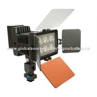 LED Video/Camera Light with 6 Pieces of LEDs, 3,000 to 3,500/5,000 to 6,000K CCT, Thermal Slug