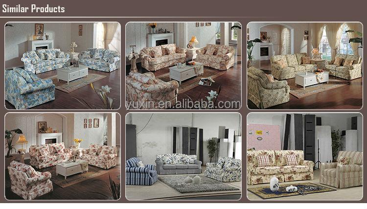 Sofa und sessel im landhausstil wohnzimmer mit sofa im for Wohnzimmertisch country