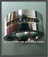 fashionring Titanium ring with diamond