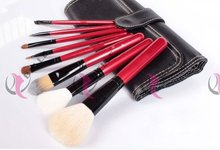 Top grade branded synthetic hair emily cosmetic brush