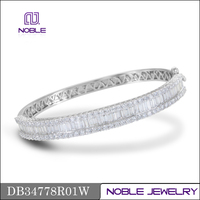 New arrival 18K solid white gold diamond bangle jewelry