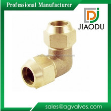 Male or female threaded chrome plated forged brass elbow with copper nuts