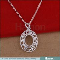2015 hollow flower round shaped wholesale only silver pendant