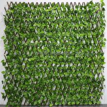 Cheap wholesale artificial willow fence wood trellis plastic leaves decorative garden fence design