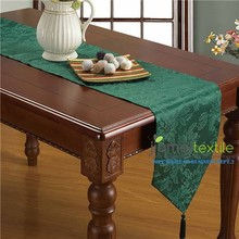 100% Polyester Jacquard Damask Table Runner with Tassle