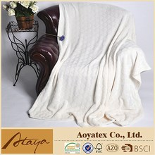 2015 new fashionable 100% polyester shaved flannel blanket