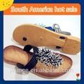 Zapatillas (pantuflas) de PVC a la moda para damas