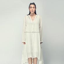 lunkuo kunst lange Ärmel tiefe v kragen asymmetrischen saum bestickte weiß maxi strickjacke mit knopf