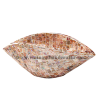 Eco-friendly traditionally handpainted vietnamese lip shaped lacquered wooden carving crafts with sea shell inlay