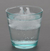 Novelty Design Polar Bear and Penguin Ice Shaped Silicone Ice Cube Tray