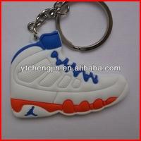 fashional lebron james shoes keychains pvc/lebron shoes