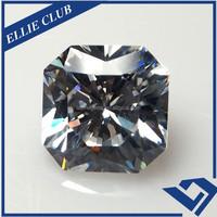 3*3mm Synthetic Trillion Cut Shape White Cubic Zirconia Gems