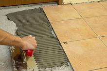 Guangzhou vinyl floor tiles adhesive best flexible tile adhesive external tile grout