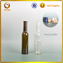Chinese high quality wholesale mini glass bottles with corks