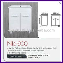White polyurethane gloss vanity unit on legs or knick