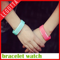 Factory price super popular promotional fashional smart lovers watch silicone