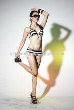 Ladies Cartoon Sexy Secret Crotchless Bikinis with Non-movable Bra
