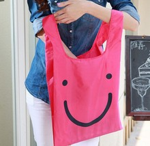 Fashional Colorful Foldable Waterproof Durable Smiling Shopping Bag Packet Handbag