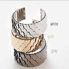 2014 Fish scales cuff glaring bracelet fashion selling arm chain cuff