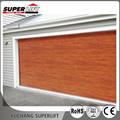 Automático de grano de madera del tiempo tiras garaje hasta la puerta