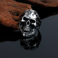 Top quality hot sale latest stainless steel skull ring men
