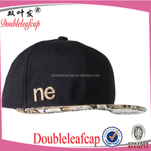 wholesale custom design your own logo 6 panel black snapback hat with 3D embroidery