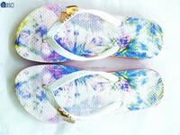 lady OEM fancy design silk print PE sole slippers summer PVC strap with heart accessory shoes flip flops