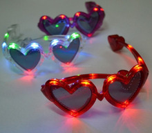 LED Flashing Hearts Light Up Party Glasses