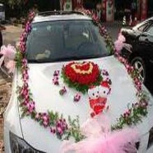 beautifully decorated lovely wedding car
