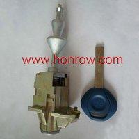 locksmith-B&W 3 Series Right door lock