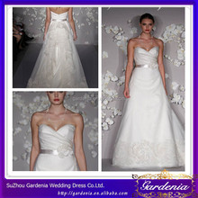 Special White A-line Sweetheart Sash And Hand-making Flower Lace Appliqued Sleeveless Floor Length Bride Wedding Dress ZE094