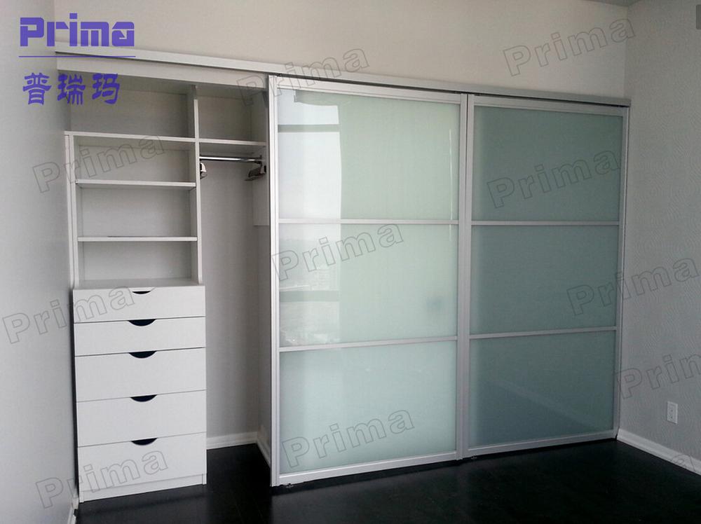 Armoire chambre aluminium 135535 la for Chambre a coucher 6 portes
