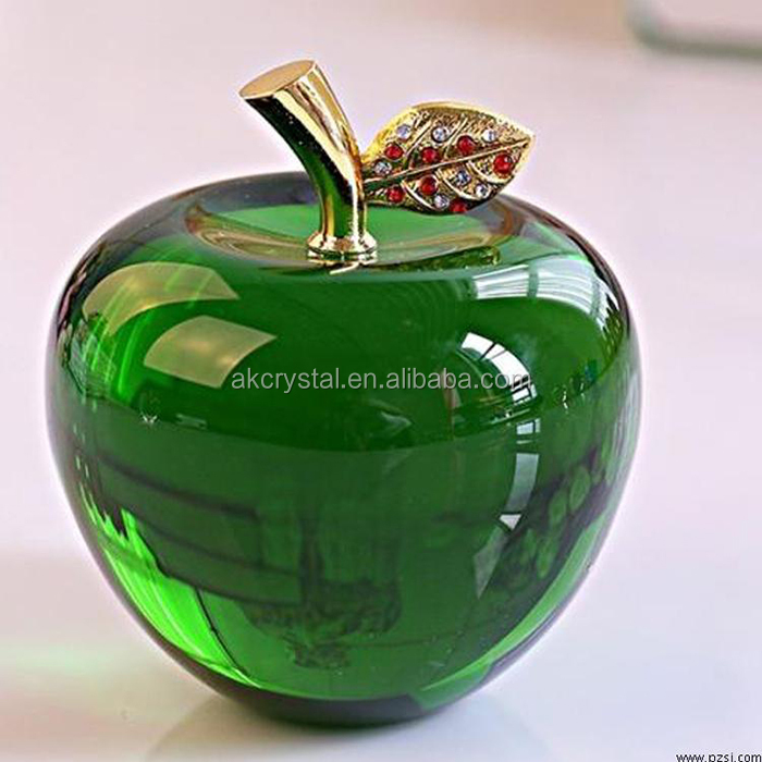 apple with leaf 2.jpg