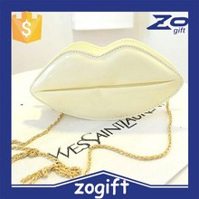 ZOGIFT new European and American style rivet handbags kiss lips clutch bag chain shoulder bag small clutch bag