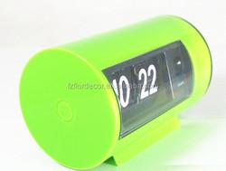 Promotional green color auto flip clock novelty flip flap table clock mini cute auto flip calendar clock