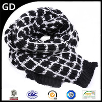 GDKK052 classy blank and white turtan knitting woolen yarn scarf