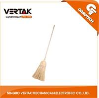 Big customers cooperation wooden handle natural corn brooms