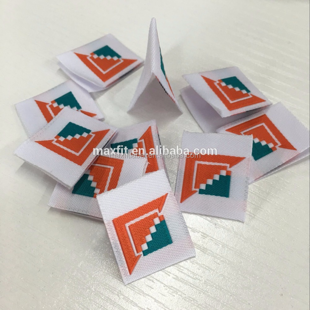 high-quality-center-fold-custom-damask-woven-label-3.jpg