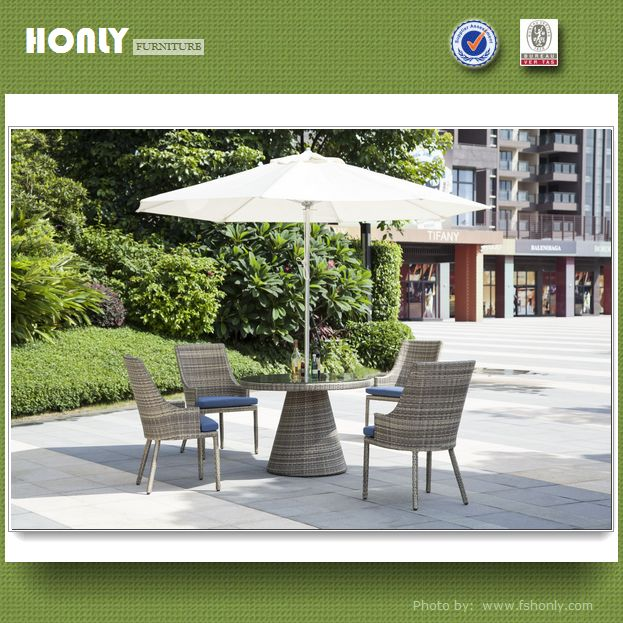 Table and chairs set plastic outdoor furniture foshan rattan furniture