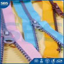 gold color plastic teeth zipper SBS Zipper V5874-5844