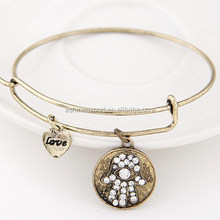 In stock marvelous gorgeous delicate bracelet clasp, cuckold pandent bracelet, vintage bangle