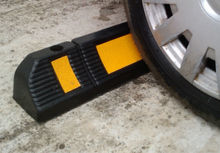 Rubber wheel stop for parking lots and garages 60x12x10 cm