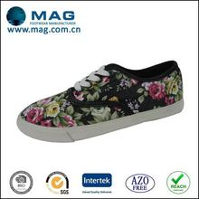 Top quality promotional fashion buckle canvas shoes
