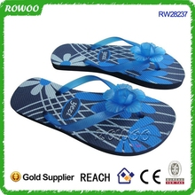 wholesale hot sale Newest Fashion Rubber flip flops, women rubber blue flip flops
